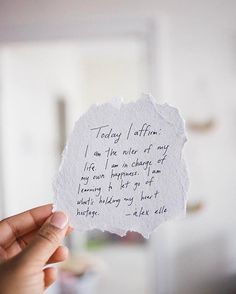 A daily affirmation can be a really useful way to remind yourself how to be the best version of YOU each day. Let go of anything that doesn't make you happy. You deserve to smile! Morning Affirmations, Positive Affirmations, Words Quotes, Me Quotes, Hand Quotes, Beauty Quotes, Sayings, Great Quotes, Inspirational Quotes