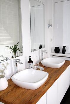 Nuevos lavabos para un baño remodelado