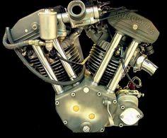 2-cylindrowy, widlasty V2 Silnik 015 Husqvarna, 500ccm, OVH, czterosuwowy, zaprojektowany przez Carla Heimdal i Folke Mannerstedt. Silnik wygrał wyścig 1935 na AVUS, kierowany przez Ragnara Sunqvist.