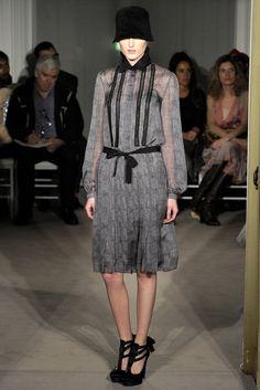 Alberta Ferretti Pre-Fall 2012 Fashion Show