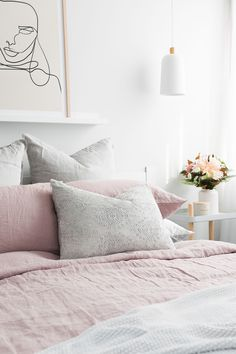 Nothing adds more coziness to the bedroom decor than soft linen sheets. It's all about the natural wrinkled look. Featuring Dusty Pink linen bedding styled by Dusty Pink Bedding, Pink And Grey Bedding, Dusty Pink Bedroom, Pink Bedding Set, Pink Bedroom Decor, Best Bedding Sets, White Bedding, Linen Bedding, Linen Sheets