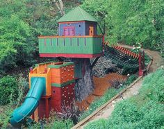 Whatever kid has this tree house is LUCKY!
