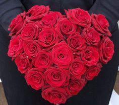 bouquet de roses rouges forme coeur