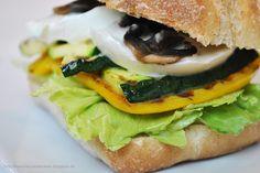 Küchenzaubereien: Grillgemüse-Panini mit Büffelmozzarella