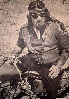 Nostalgia on Wheels: Roths Choppers Magazine - Select Biker Posters 1967 Biker Clubs, Motorcycle Clubs, Motorcycle Style, Biker Style, Custom Choppers, Custom Harleys, Old School Chopper, Old School Vans, Cafe Racer Honda