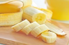 Find new ways to add this fruit staple to your weekly meals, from breakfast to dessert. Find new ways to add this fruit staple to your weekly meals, from breakfast to dessert. Healthy Banana Recipes, Diet Recipes, Banana Is Rich In, Low Fiber Diet, Eating Bananas, Light Snacks, Cooked Carrots, Food Combining, Diet Food List