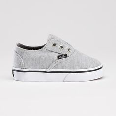 Shop bestselling Baby's Shoes at Vans including Infant Slip Ons, Authentics, Low Top, High Top Shoes & More. Shop Baby Shoes at Vans today! Outfits Niños, Kids Outfits, Baby Girl Dresses, Baby Boy Outfits, Baby Boys, Toddler Boys, Carters Baby, Baby Boy Fashion, Kids Fashion