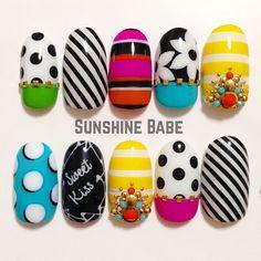 #sunshinebabe #nails #nailart #naildesign #nailstagram #JapaneseNailArt #ネイル #サンシャインベビー #美甲 #gel甲 #指甲 #指甲彩繪 #네일 #네일아트 #光療 #光療凝膠 #フラワーネイル #ビジュー #pink #ドットネイル #ストライプ