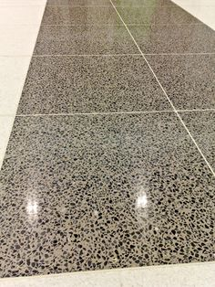 Terrazzo Floor Floor Design, Wall Design, Terrazo Flooring, Floor Skirting, Polished Concrete Flooring, Small Toilet, Desert Homes, Cottage Interiors, Floor Patterns
