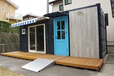 コンテナハウスの離れ1 Tiny Container House, Container Shop, Shipping Container Homes, Shipping Containers, Prefab Homes, Custom Homes, Tiny House, Small Spaces, Cottage