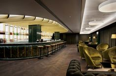 The lush, Art Deco–inspired hotel bar serves up surprising cocktails and stunning views in the newly opened Mondrian London at Sea Containers, designed by Tom Dixon Tom Dixon, Mondrian, Bar Design Awards, Bar Interior Design, Best Interior, Ux Design, London Hotels, London Tours, Hotel Restaurant