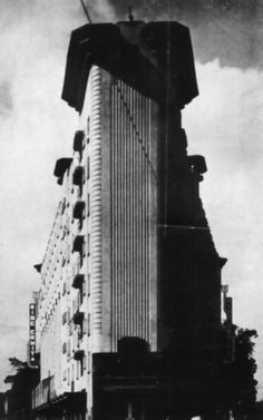 1930, edificio Ermita, de Juan Segura