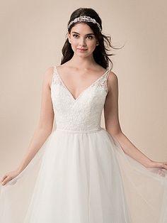 Moonlight Tango T792 Sleeveless Lace V-Neck Soft A-line Wedding Dress