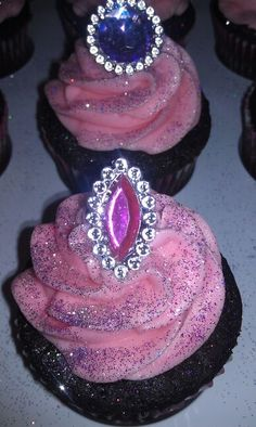 Princess party cupcakes~ Don't forget purple princess personalized napkins at www.napkinspersonalized.com !