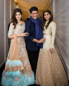 Fashion show couture 2018 Indian Bridal Outfits, Pakistani Bridal Dresses, Indian Gowns Dresses, Shadi Dresses, Choli Dress, Indian Ethnic Wear, Indian Attire, Party Wear Dresses, Western Dresses