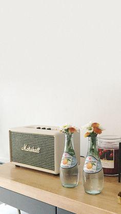 White Wall Paper Aesthetic Desktop Ideas For 2019 Sea Wallpaper, Pastel Wallpaper, Lock Screen Wallpaper, Wallpaper Backgrounds, White Aesthetic, Aesthetic Vintage, Aesthetic Art, Aesthetic Pictures, Korean Aesthetic
