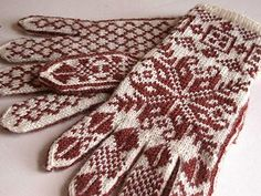 Annemor by Snoozeecow on Ravelry Knit Mittens, Knitted Gloves, Knit Crochet, Crochet Hats, Fair Isle Knitting, Knitting Accessories, Leg Warmers, Ravelry, Textiles