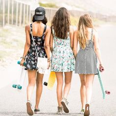 Perfect Dress. Best Friends. ️ Perfect Beach Day.