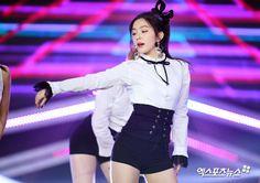 Find images and videos about irene and bae joohyun. red velvet on We Heart It - the app to get lost in what you love. South Korean Girls, Korean Girl Groups, Redvelvet Kpop, Red Velvet Irene, Seulgi, Peek A Boos, Korean Singer, Rapper, Bae