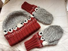 Ravelry ~ Baa-ble Hat and Mittens. In the Patterns/Library section of Ravelry you can view over projects using the Baa-ble Hat pattern. Knitted Mittens Pattern, Intarsia Knitting, Knitting Paterns, Crotchet Patterns, Knit Mittens, Knitting Stitches, Knitting Projects, Knitted Hats, Knitting For Kids