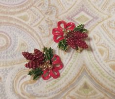 Vintage Pinecone Clip On Earrings Christmas by DebsPickerSouL