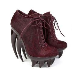 *Iris van Herpen, Paris Haute Couture'de sundu bu koleksiyonu.    http://www.unitednude.com/news/2012