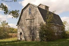 A weathered corncrib still standing proud