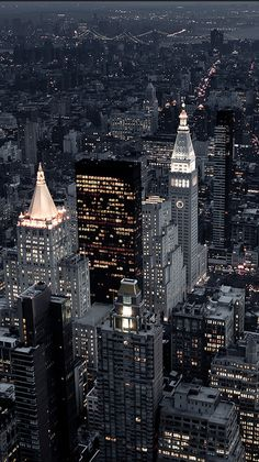 New York Discover da Empire State Building manhattan new york city City Aesthetic, Travel Aesthetic, Empire State Building, City Vibe, New York Life, City Wallpaper, Dream City, Living In New York, City Living