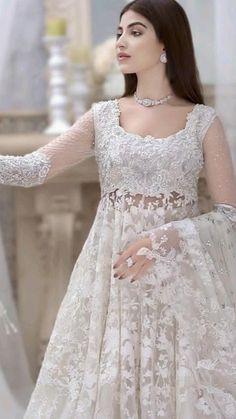 Pakistani Fashion Party Wear, Pakistani Wedding Outfits, Pakistani Dresses Casual, Indian Gowns Dresses, Indian Bridal Outfits, Indian Fashion Dresses, Pakistani Dress Design, Indian Designer Outfits, Dress Indian Style