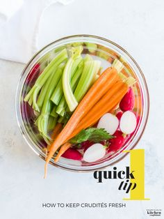 How to Keep Crudités Fresh: Here is one quick tip to prepare crudités in advance and keep the vegetables fresh and crisp! Quick Appetizers, Appetizers For Party, Appetizer Recipes, Dessert Recipes, Best Party Food, Party Food And Drinks, Cooking Tips, Cooking Recipes, Quick Recipes