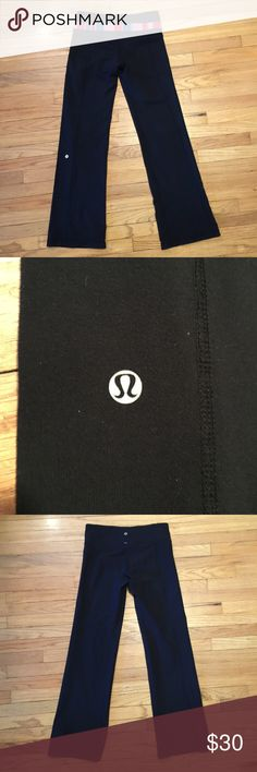 Lululemon black reversible workout pants - 8 Lululemon black reversible workout pants - 8. Waist - 14.5 inches. Rise - 9 inches. Inseam - 30 inches. Excellent condition. lululemon athletica Pants