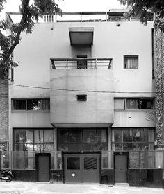LE CORBUSIER · Divisare Le Corbusier, Bauhaus, Art Deco, Paris 13eme, Paris France, Arch Building, Arch House, Famous Architects, Brutalist