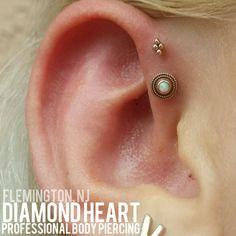 double forward helix - Google Search Body Piercings, Piercing Tattoo, Triple Forward Helix, Forward Helix Piercing, Stay Gold, Daith, Peircings, Piercing Ideas, Piercings