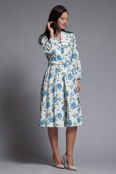 05615c66d12 shirtwaist dress belted pleated blue rose floral print vintage 70s MEDIUM M
