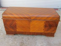 bedroom photos with cedar chest at foot of bed | ... Deco Lane Cedar Chest Blanket Chest Trunk Antique Bedroom Furniture