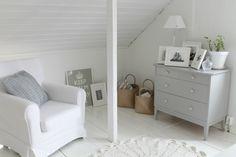 Villaa ja vaniljaa -blogi Cute Bedroom Ideas, Love Your Home, White Houses, Interior Design Inspiration, Beach House, Sweet Home, Villa, Living Room, Architecture