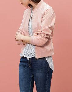 BOMBERS for woman at Stradivarius online. Visit now and discover the BOMBERS we have for you | Free returns.