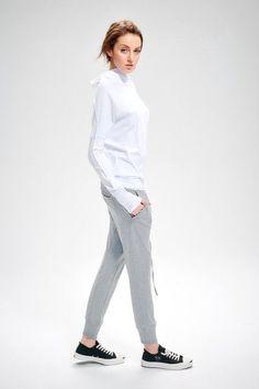 Arya grey yoga pants. With pockets and tailored details. Via en.DaWanda.com.