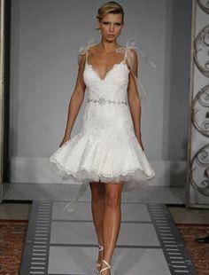 Google Image Result for http://image.made-in-china.com/2f0j00svQtzBRaHZom/Pnina-Tornai-Wedding-Dresses-2010.jpg