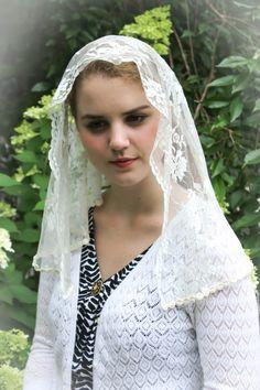 Evintage Veils~Traditional Catholic Ivory   Chantilly Lace Mantilla Chapel Veil
