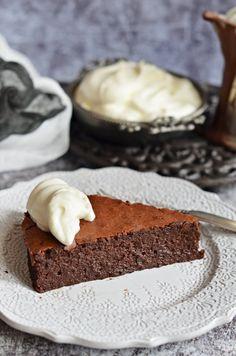 Francia csokoládétorta bögrésen | Rupáner-konyha Cake Cookies, Vanilla Cake, Fondant, Cupcake, Cheesecake, Food And Drink, Sweets, Recipes, Cakes
