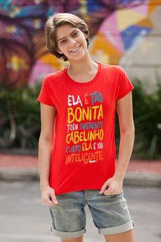 Isabella Santoni com a camiseta de Rockstar (Foto: Fabiano Battaglin / Gshow)