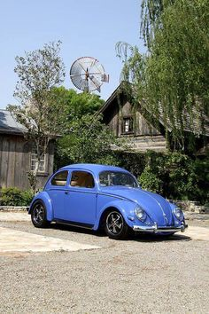 I know that many people really don´t like it but... I just don´t know how. Simple, reliable, classic, beautiful design.... VW beetle.
