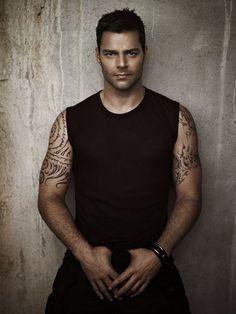 Still hot: Ricky Martin Gorgeous Men, Beautiful People, Rick Y, Hot Actors, Male Beauty, Perfect Man, Stylish Men, Sexy Men, Hot Men