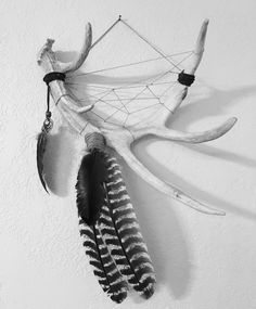 Handmade deer antler dream catcher with turkey feathers by kn_roberts87 ✨ #rosebudslifestyle🌹