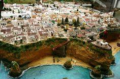 Portimão Algarve, Portugal, Mansions, House Styles, World, Outdoor Decor, Home Decor, The Beach, Light House