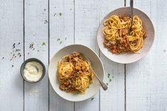 Spaghetti Bolognese Spaghetti Bolognaise, Chili, Cooking, Ethnic Recipes, Food, Al Dente, Tomatoes, Ground Meat, Kitchen Workshop