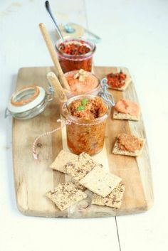 Cute idea for serving spreads - use bruschetta, tapenade, and maybe something else? Party Food And Drinks, Snacks Für Party, Lunch Snacks, Tapenade, I Love Food, Good Food, Yummy Food, Tapas Party, Small Meals