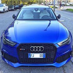Audi RS 6: Blau