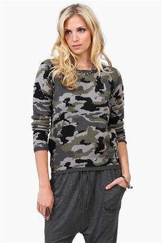 Armed Knit in Army